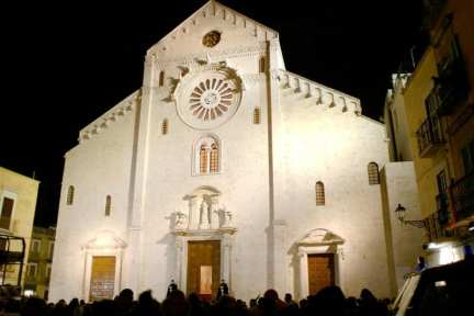 Cathedral of San Sabino, Bari. Photo by Podollo (Wikicommons)