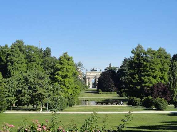 Parco Sempione. Photo by  Dzhingarova (flickr)