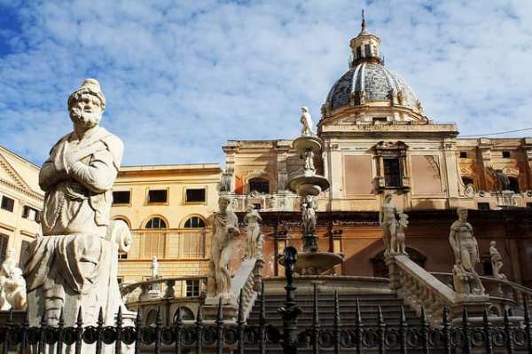 Piazza Pretoria is one of the central squares of Palermo, built near the 16th-century center of the city, the Quattro Canti. Go to check out the beautiful Fontana Pretoria. Photo by Dimitry B.