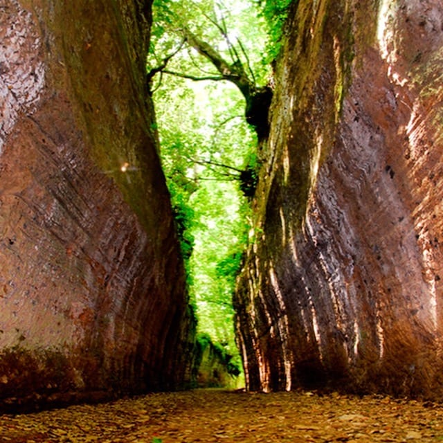 The Via Cava Sovana is a fascinating remnant of the Etruscan civilization in Tuscia, Central Italy.