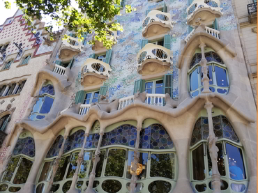 Visit to the Casa Batló during our art tour in Barcelona after our plein air painting workshop in France