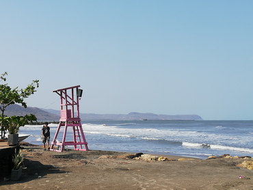 View of beach in Colombia during Walk the Arts winter holidays art food workshop in South America