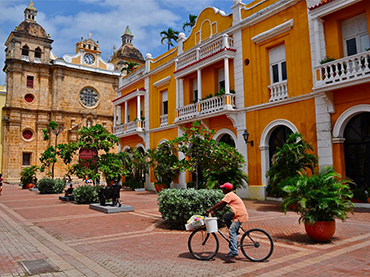 Visiting Cartagena during our food tour art workshop in South America