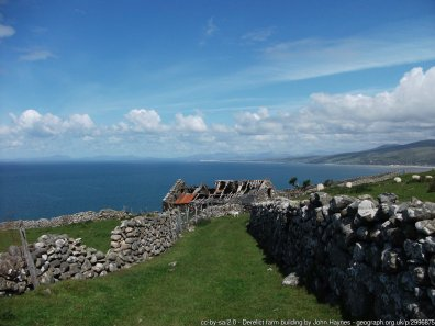 Walk the Wales Coast Path from Barmouth to Llwyngwril