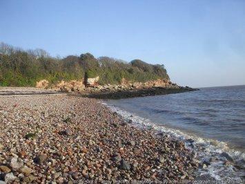 Stony beach at Swanbridge Bay
