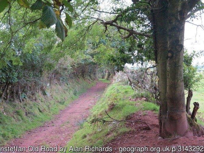 Hen Heol Llansteffan Old Road