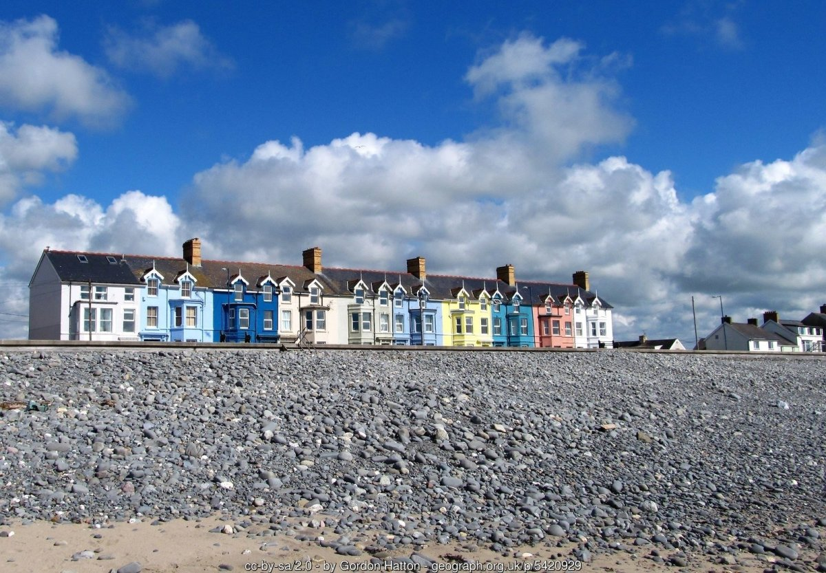 Walk the Wales Coast Path from Machynlleth to Borth
