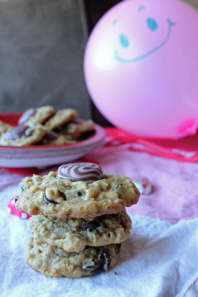 Lovey Dovey Trifecta Cookies and Sweetheart Cupcakes 21--021413