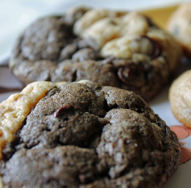Chocolate Peanut Butter Ying Yang Cookies 3--041513