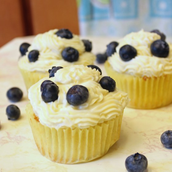 Summer Lemon Blueberry Cupcakes with Lemon Cream Cheese Frosting 12-082413