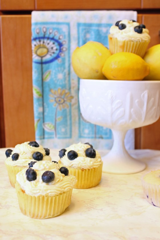 Summer Lemon Blueberry Cupcakes with Lemon Cream Cheese Frosting 13-082413