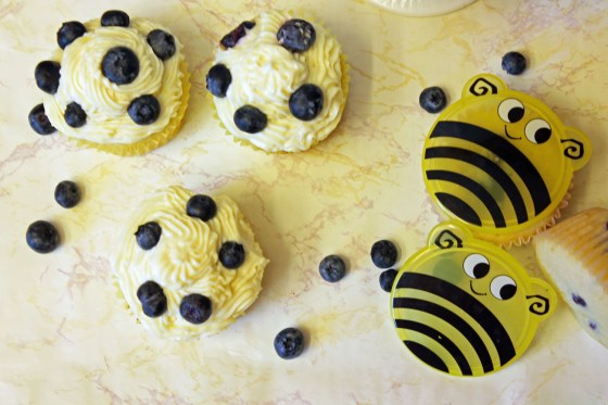 Summer Lemon Blueberry Cupcakes with Lemon Cream Cheese Frosting 9-082413
