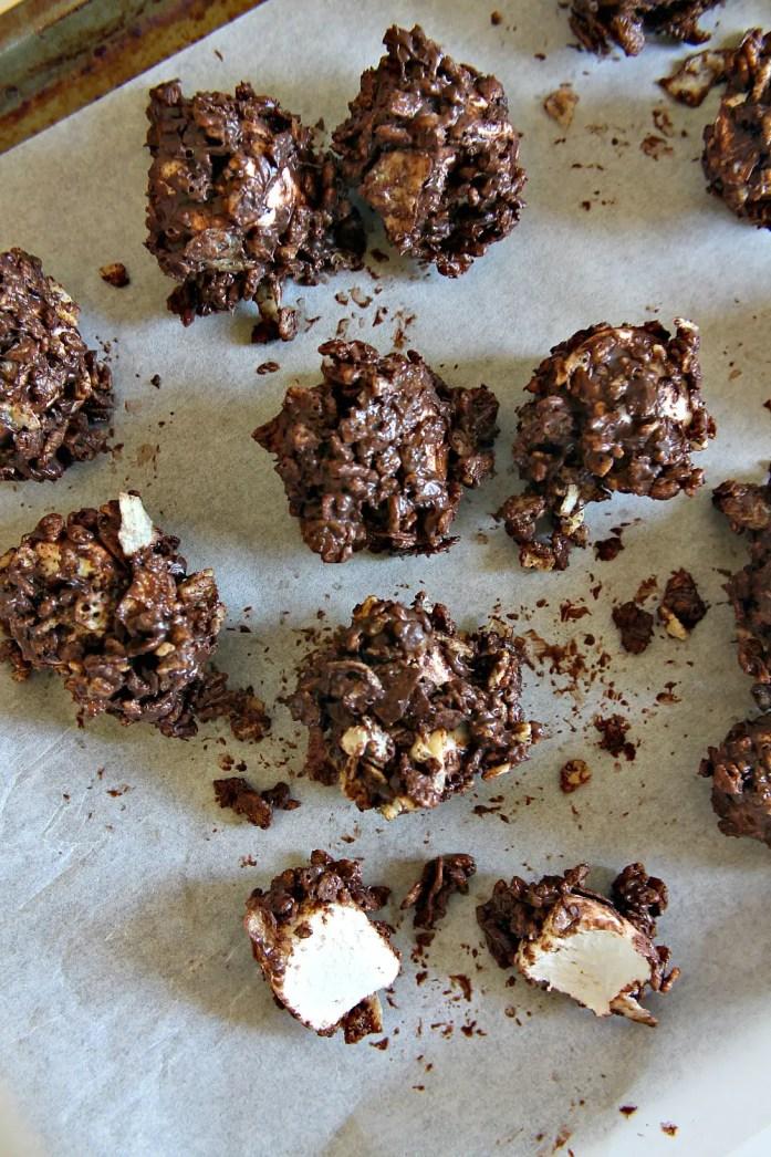 Peanut-Butter-Chocolate-Rice-Krispy-Jumbo-Marshmallows 9--050715