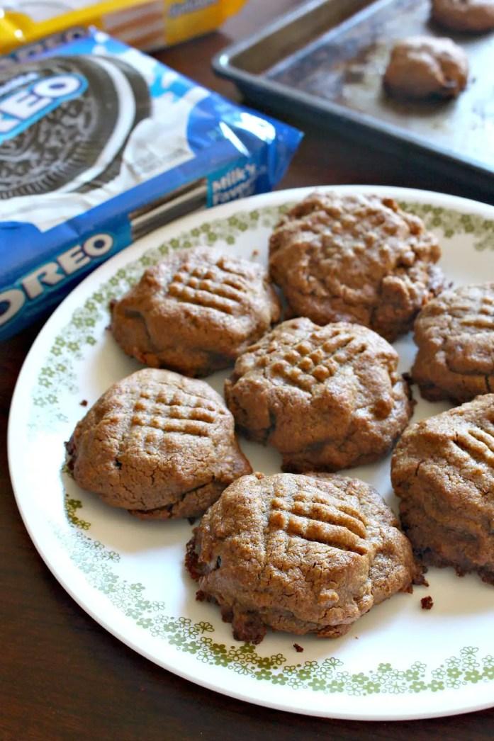 Oreo-Stuffed Peanut Butter Cookies 12--081715