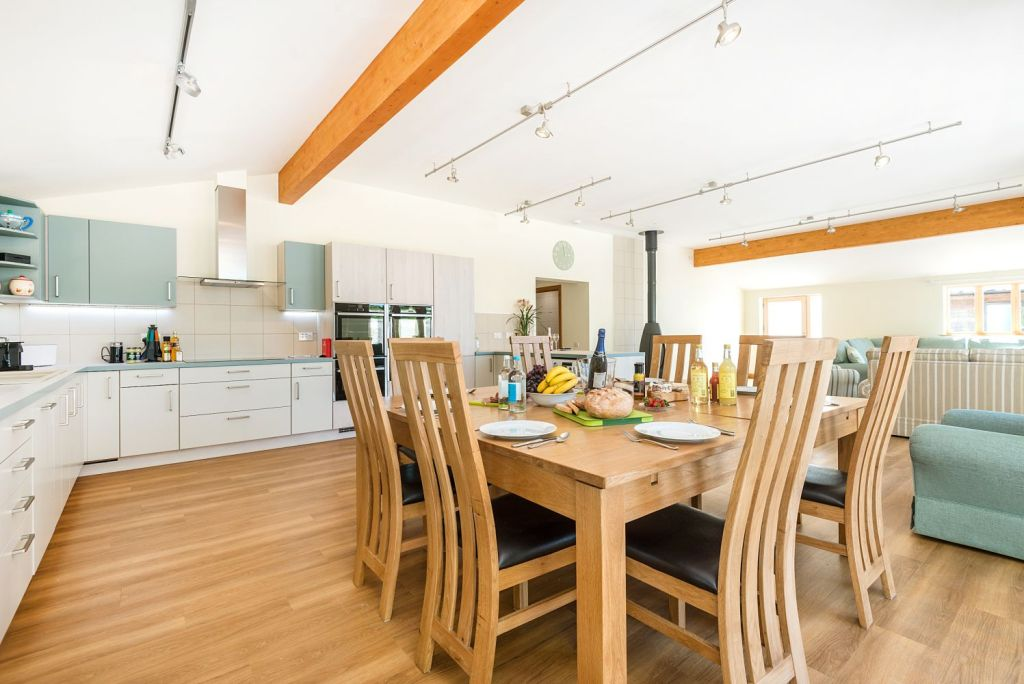 Silver Birch kitchen and dining area