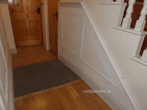 wainscoting-flatpanel-stairway2