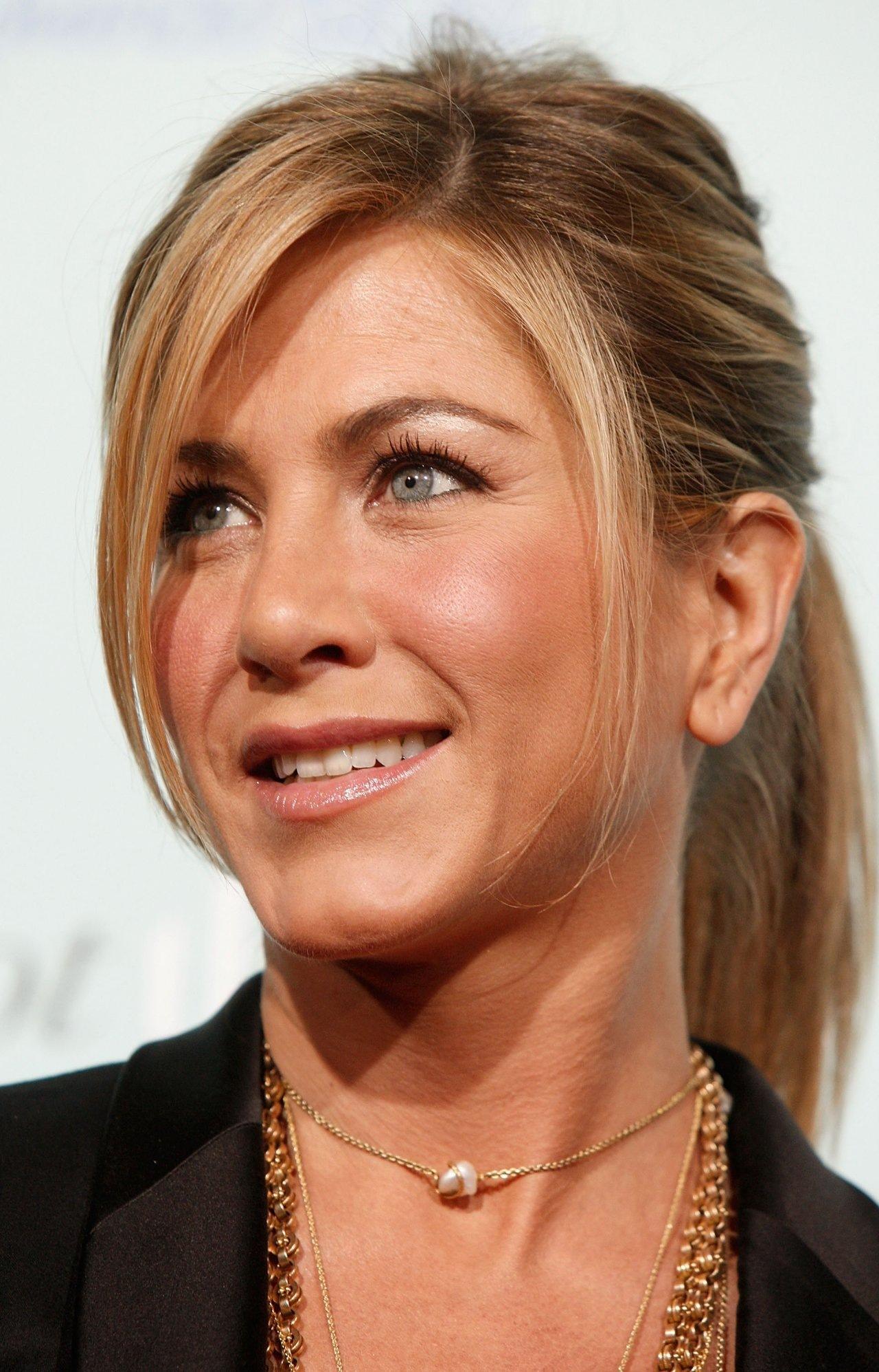 Jennifer Aniston Leaked Photos 70703 Best Celebrity