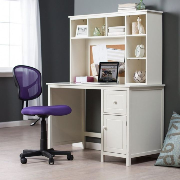 Desks For Small Rooms