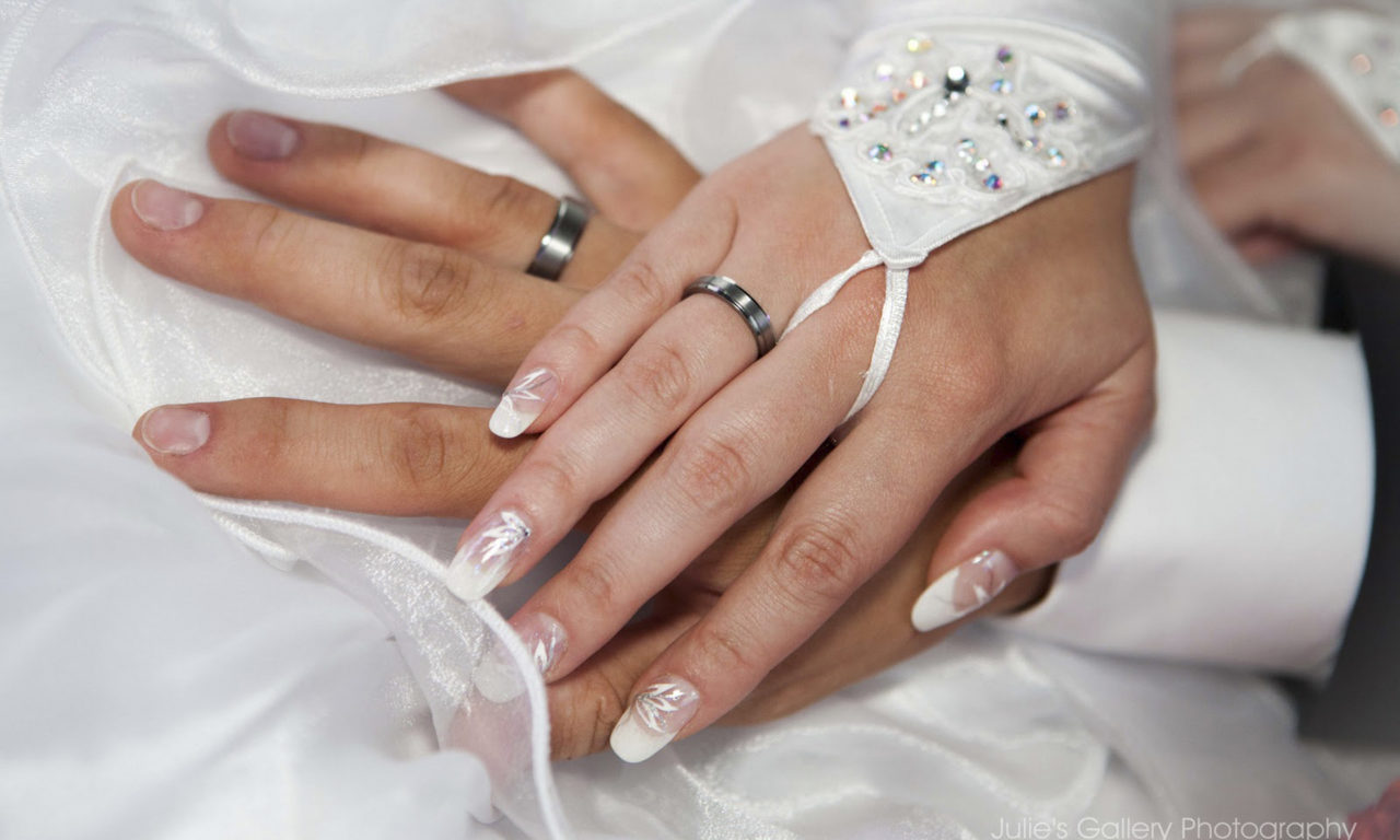 Wedding Rings On Hands 0765
