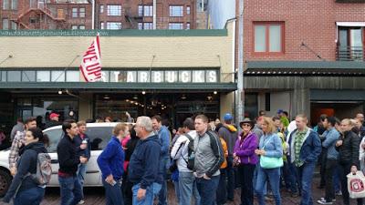 Original Starbucks in Seattle, WA wandasknottythoughts.com