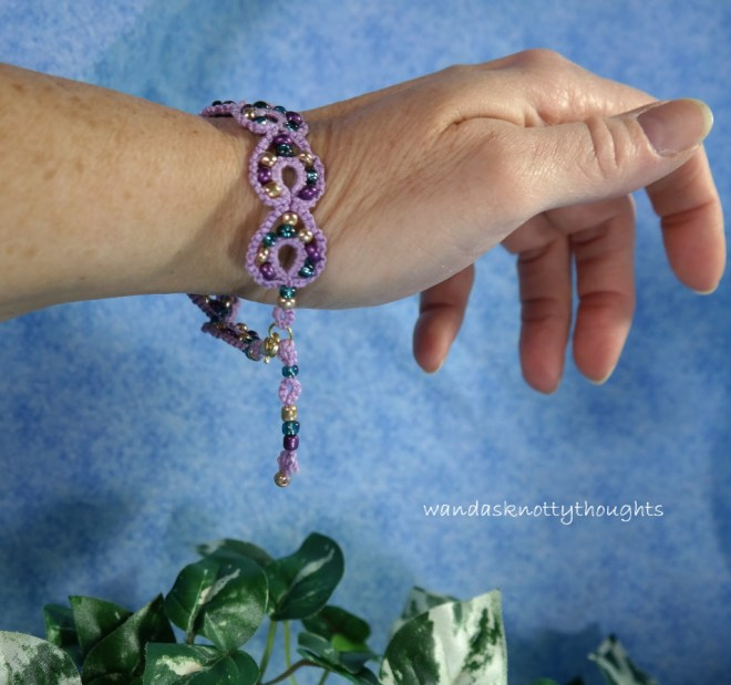 Tatted bracelet with beads