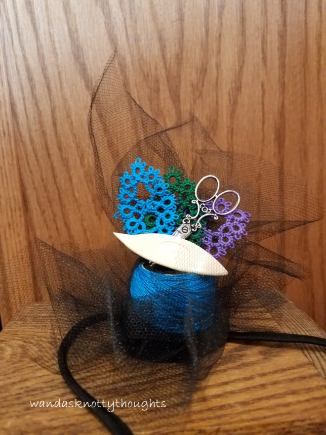 Tatterlady's fascinator on wandasknottythoughts