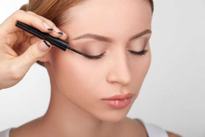 5 Step Eyeliner Technique for Women Over 40