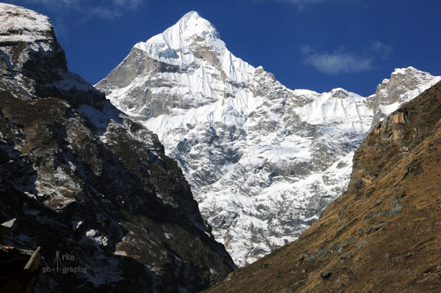 Mt Neelkanth dominating the view behind the Badrinath temple