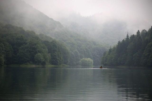 Reizen Montenegro - mist over Biogradska Gora