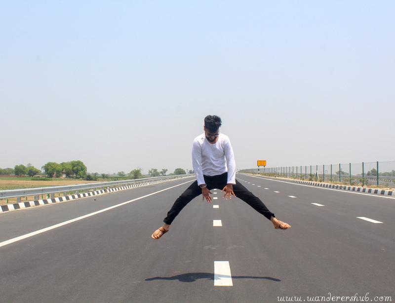 Agra-Lucknow Expressway (Delhi to Varanasi)