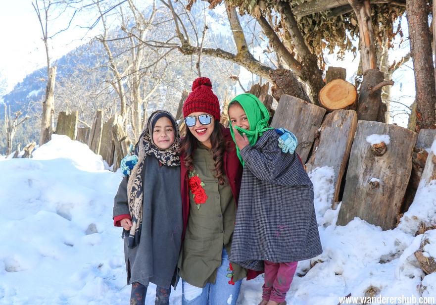 Kashmiri girls - Is it safe to travel to Kashmir