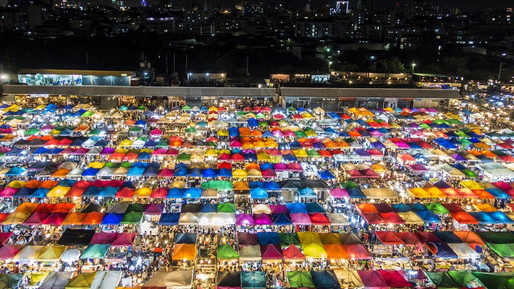 Najlepsze nocne targowiska w Bangkoku