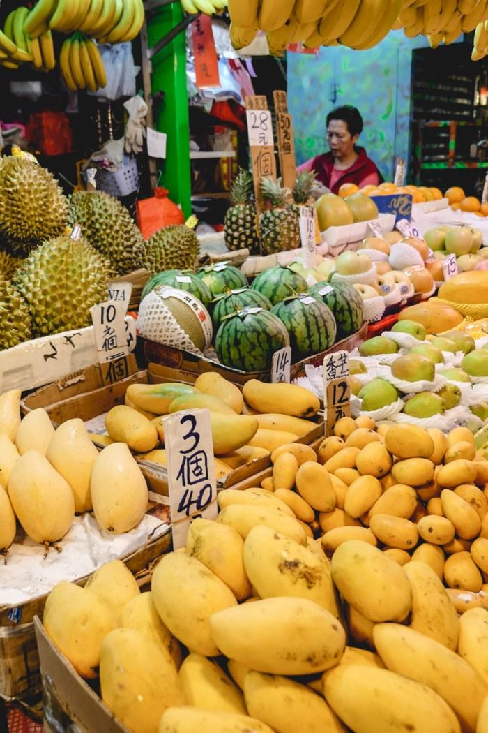 Jak uniknąć zatrucia pokarmowego w podróży?