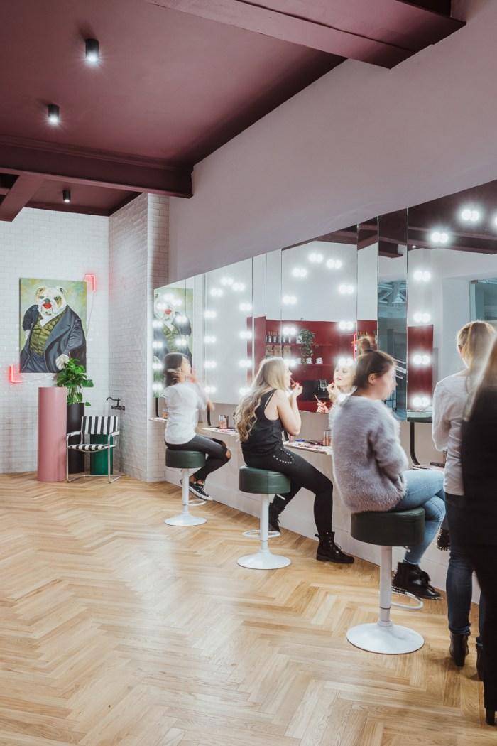 Nowe beauty miejsce w Warszawie – GIRLS ONLY Beauty Bar by Rimmel