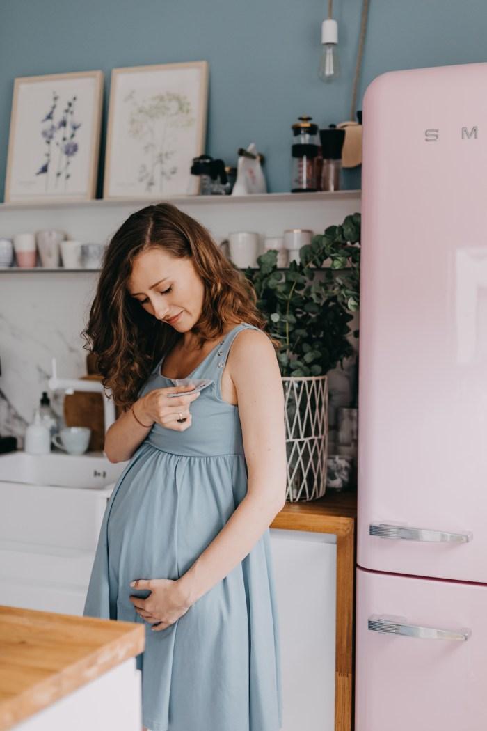 ~bonjour Mommy wandergirl granatovo misimi coolmama monika frydrych ubrania ciążowe ubrania do karmienia sukienka do porodu porodowa koszula porodowa koszula do porodu sukienki ciążowe sukienka ciążowa