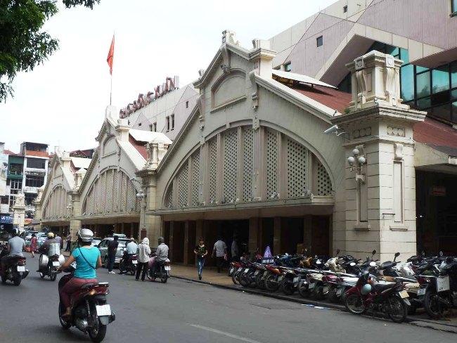 Hanoi Markets: A Shopping Adventure