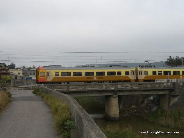 getting around taipei - train