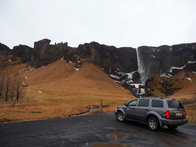 Driving Renting a Car in Iceland Roadtrip