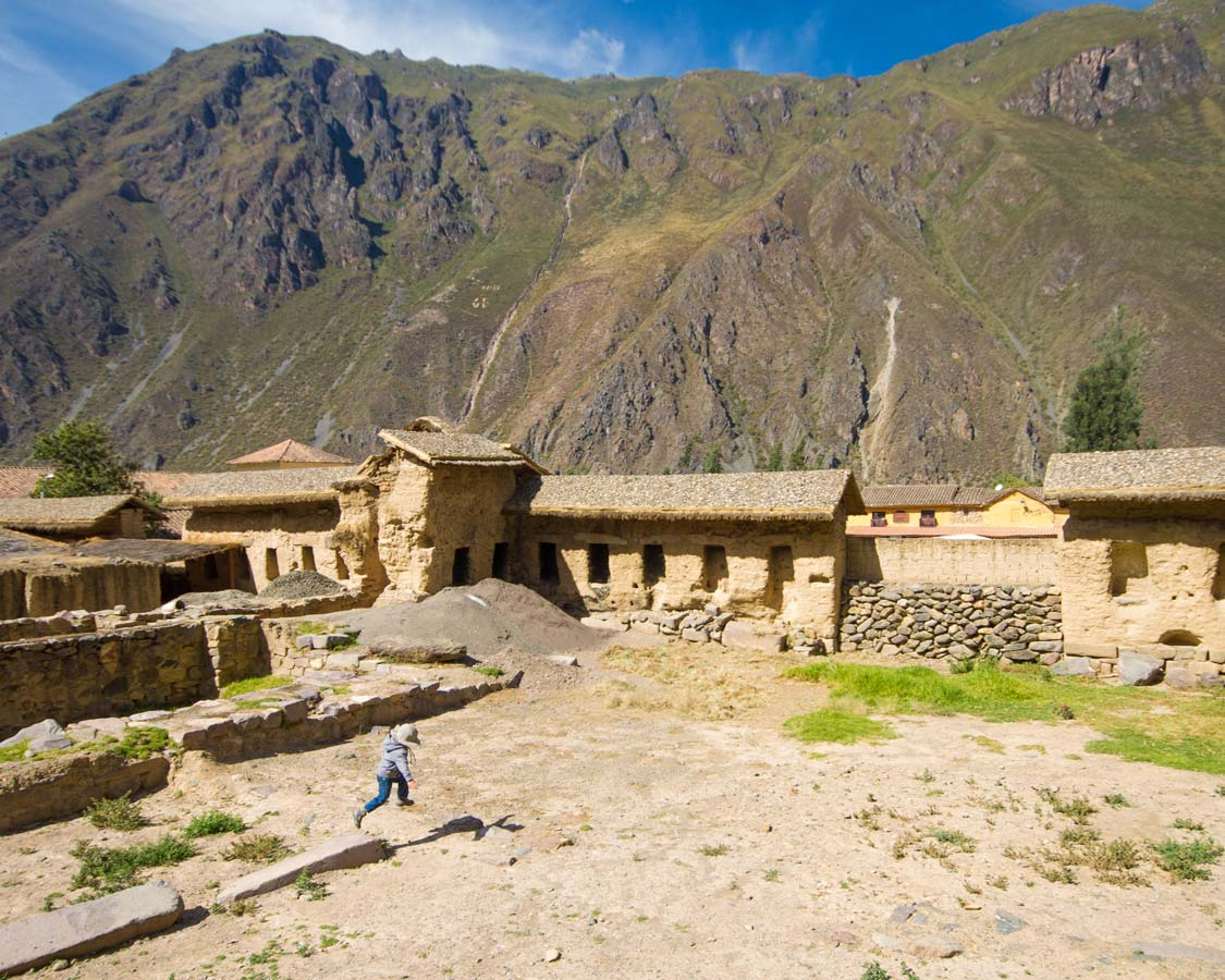 Exploring the ruins of Ollantaytambo to Machu Picchu Peru