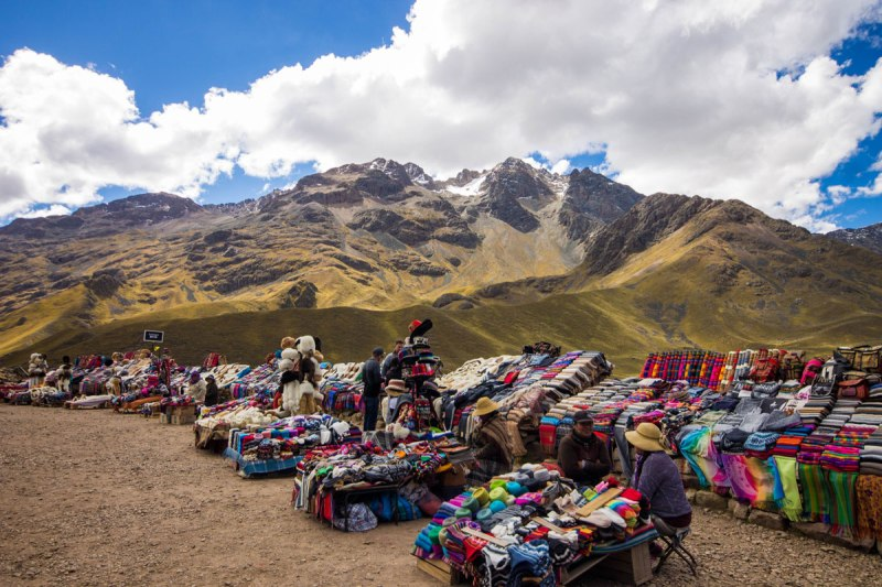 Roadside market at La Raya in Peru with kids on a 14 day Peru itinerary