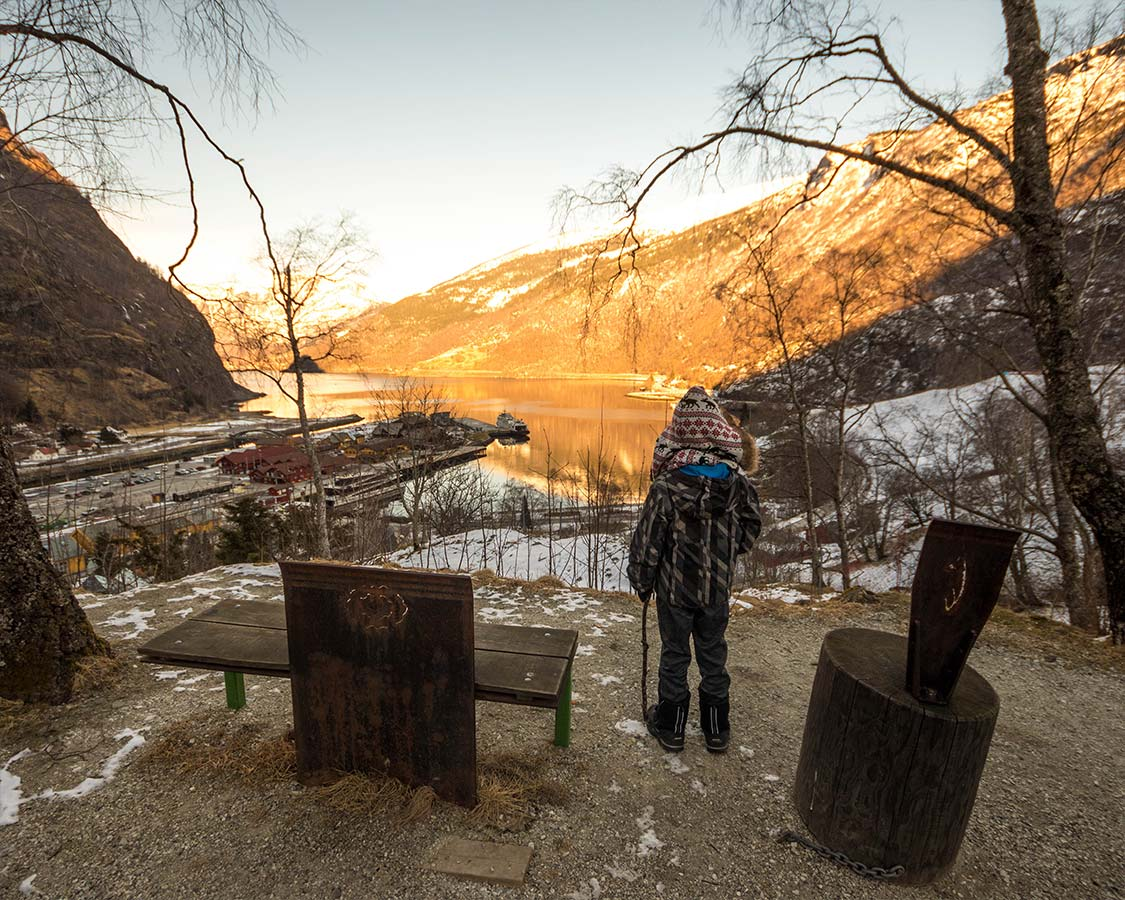 Norway In a Nuthsell Flam hiking Overlook