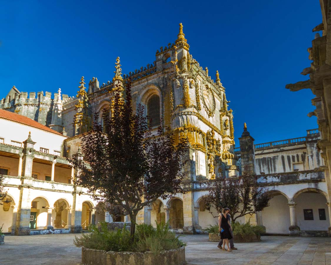 Best day trips from Lisbon Portuguese Monasteries