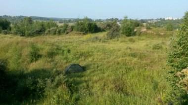 Immer wieder tolles Zelten nach anstrengender Tageswanderung, wie hier auf dem Hügel bei Pavlovo.