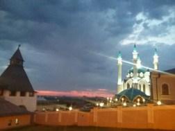 Der Kazaner Kreml am Abend in sommerlicher Wärme.