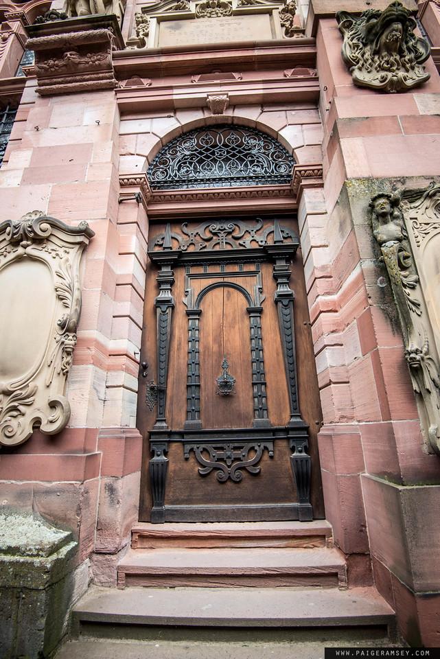 Heidelberg www.wanderlustanddogs.com