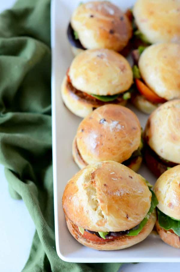 blt sliders with white cheddar brioche buns