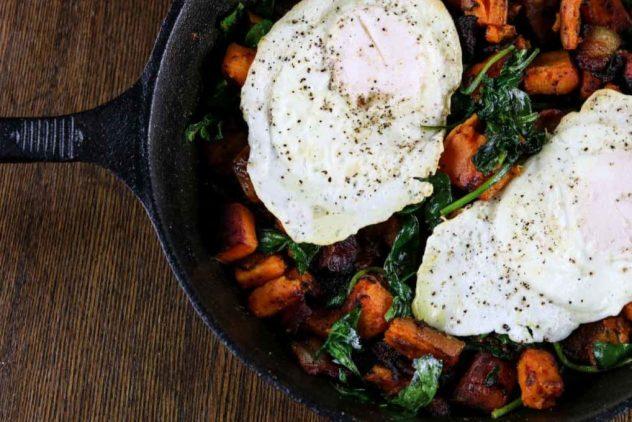 maple-bacon-sweet-potato-breakfast-hash