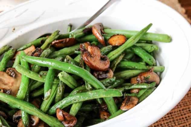 sautéed-green-beans-mushrooms