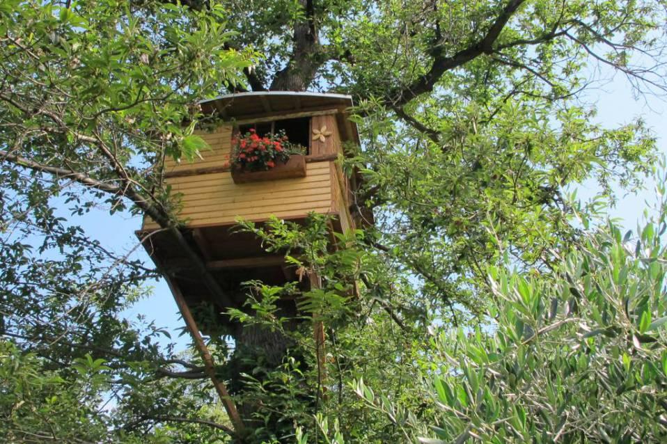 Case sull 39 albero in italia per un week end nella natura for Kit per costruire casa sull albero