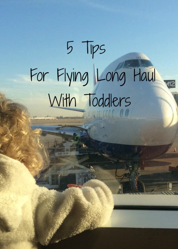 5 tips on how to entertain a toddler on a long haul flight